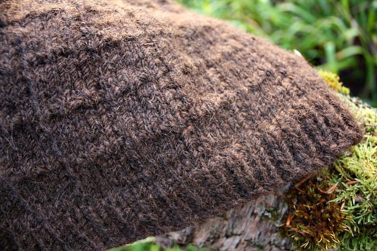 black-isle-yarns-zwartbles-aplaca-blend-toffee-fudge
