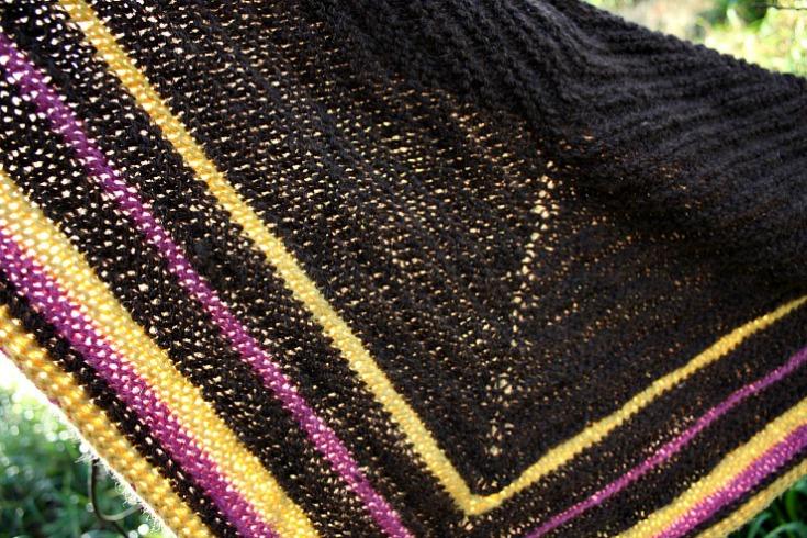 stripy-zwartbles-alpace-dk-shawl-small